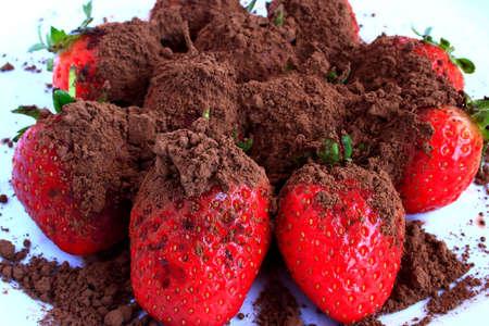chocolate over some fresh strawberries Stock Photo - 2496373
