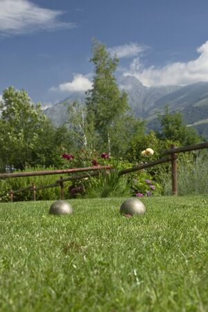 bowls among the lawn