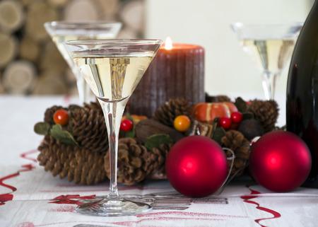 H Tisch bereit, das neue Jahr zu feiern