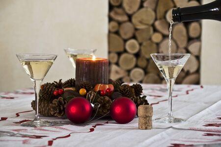 h mesa lista para celebrar el Año Nuevo