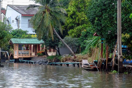 house by the river in Southeast Asia in Bangkok, Thailand Stock fotó
