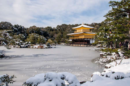 zen: kinkakuji temple snow winter zen