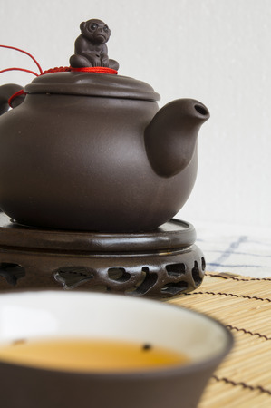cha cha: tea teapot cup Chinese style pottery clay Oolong cha