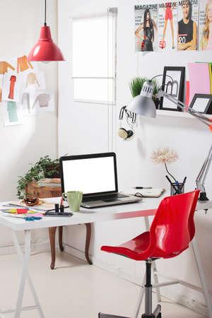 working at home: Habitaci�n de un blogger de moda