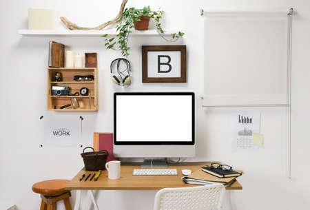 ordinateur bureau: Le bureau d'un entrepreneur créatif Banque d'images