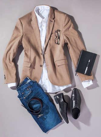 Essentials 近代的な男性服のオーバーヘッド 写真素材