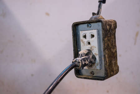 grounding: muddy wall plug modify for using inside public clay pot workshop