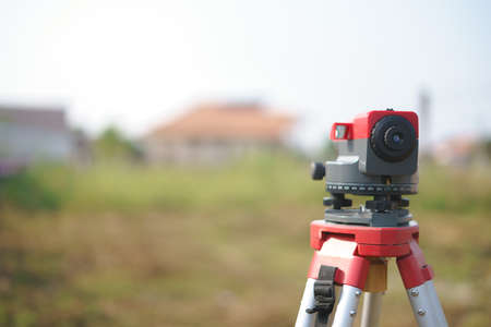 Estación total o medición de distancia electrónica para edificios o sitios de construcción Foto de archivo