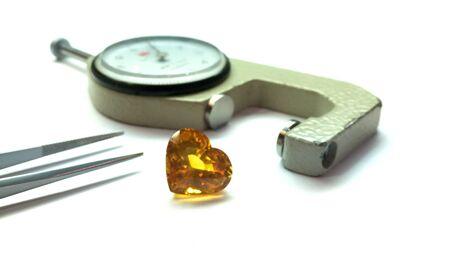 sapphire: El zafiro amarillo
