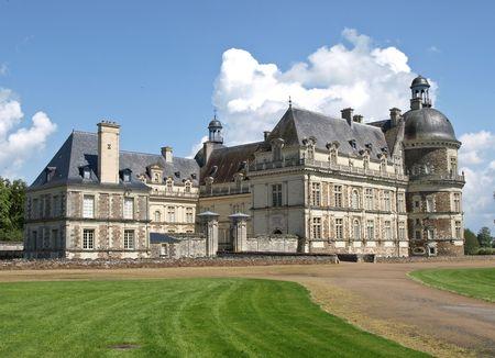 transformed: El franc�s castillo transformado en un museo