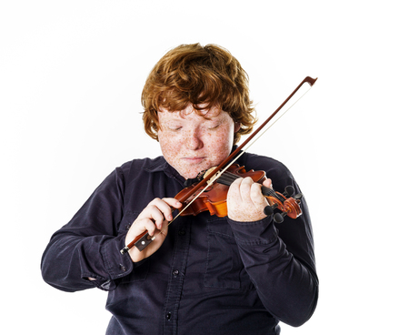mismatch: Big fat red-haired boy with small violin. Dmensions mismatch.