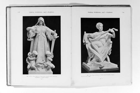 magazin: Foto vieja de la Academia de Arquitectura magazin, 1905, exploraci�n p�gina. Uso editorial.
