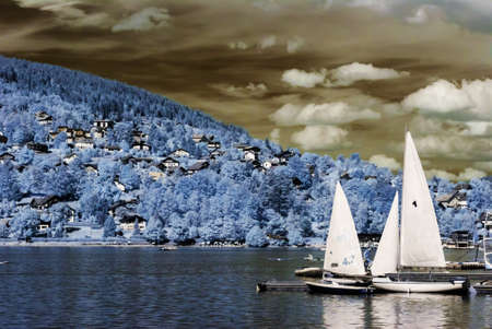 ir: Beautiful summer lake in french mountains, travel concept