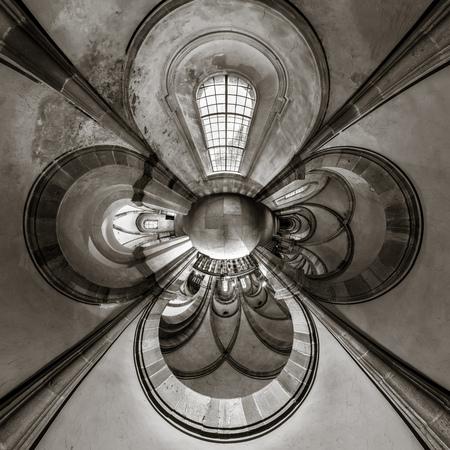 Kaleidoskop Ansicht der gotischen Kirche Innenraum, kleinen Planeten Wirkung von Panorama-Aufnahme. Andlau, Frankreich.