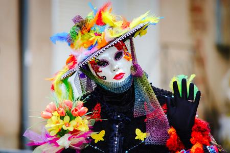 Editorial, den 6. März 2016: Rosheim, Frankreich: Venetian Carnival Mask - Ein schönsten Masken in offener Straße fotografiert