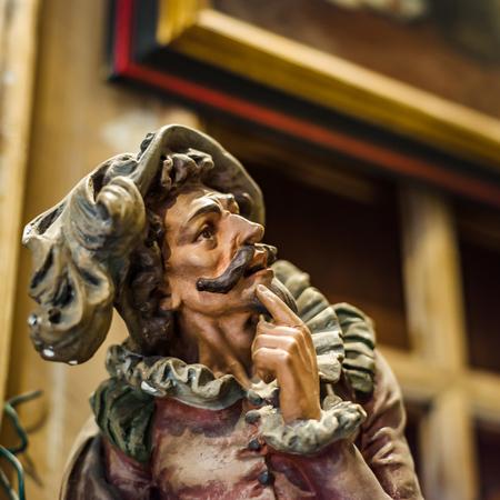 Decoratief binnenlands beeldhouwwerk in antiek winkel, Brussel, België Stockfoto