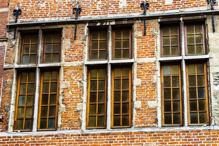 Old but renovated windows in historical part of Bruxelles, Belgium