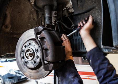 Servicio de sustitución de neumáticos, montaje con equilibrado, cambio a verano