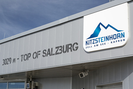 kitzsteinhorn: A sign on the observation deck at the top of the Kitzsteinhorn mountain in the Austria Alps.  The Kitzsteinhorn is a major skiing area close to Zell Am See offering an extended skiing season due to its high altitude.It is also a major tourist destination  Editorial