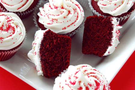 Rojo Velvet Cupcakes Foto de archivo - 4358373