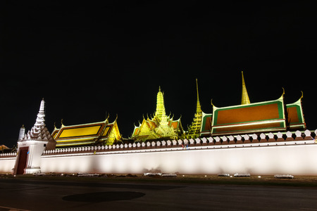 pra: Wat pra kaew Public Temple Grand palace at night, Bangkok Thailand