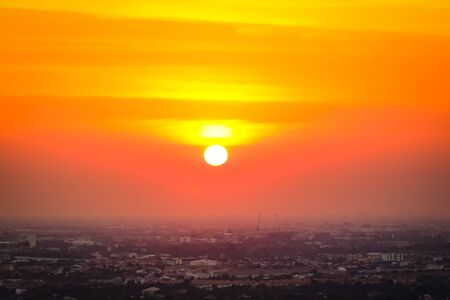 Sunrise sunset in the city with selective focus on the sun Reklamní fotografie