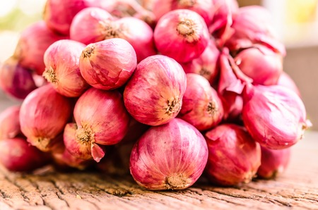 red onion: a group of red onion,shallot