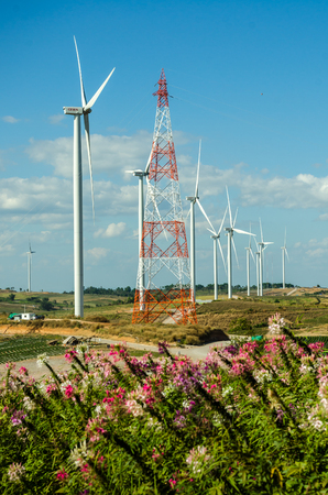 Image of wind turbine for produce wind energy with blue sky Stockfoto