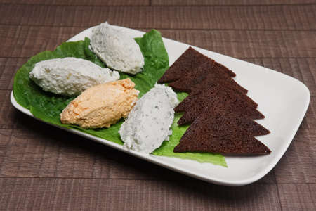 spicy cottage cheese with brown bread
