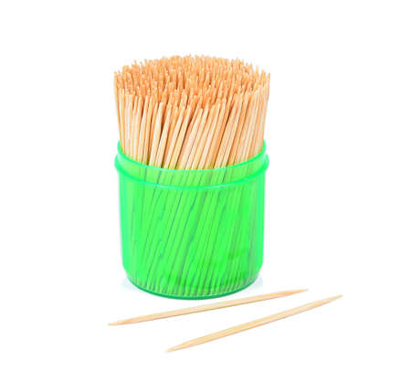 흰색에 고립 된 녹색 상자의 이쑤시개