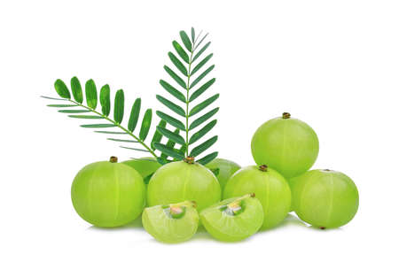 pile of indian gooseberry fruit with green leaves isolated on white background 版權商用圖片 - 90256521