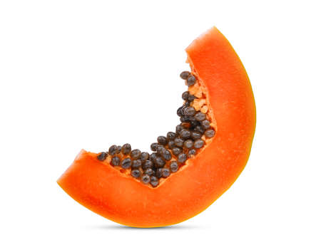 Affettato papaia matura con semi isolati su sfondo bianco Archivio Fotografico - 91283004
