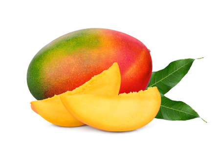 whole and slices ripe mango fruit with leaf isolated on white background Foto de archivo - 109244634