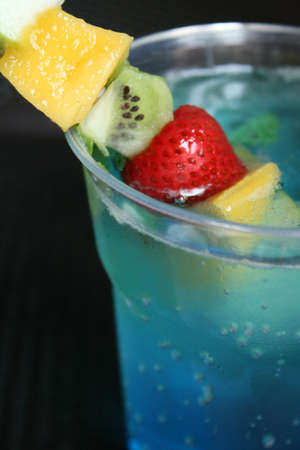 c�ctel de frutas y azul da as� photo