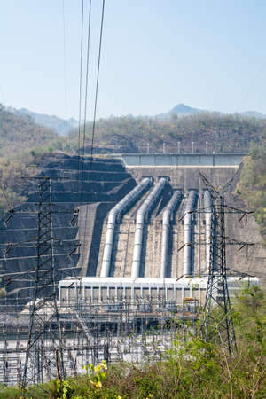 dams: Load power plant of large dams from the vertical.