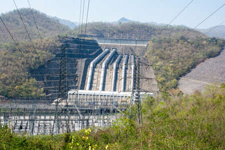 polarity: Plant Load power of the river from the dam.