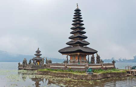 Ulun Danu Bratan temple in Bali, Indonesia Stock Photo - 12577971