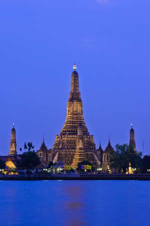 Wat Arun in twilight, Thailand Stock Photo - 13014549