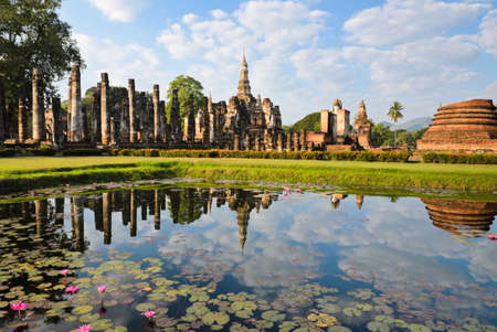 stone buddha: Wat Mahathat in Sukhothai Historical Park, Thailand