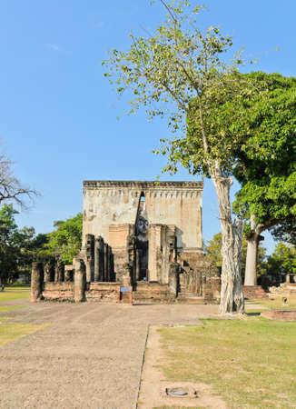 chum: Wat Si Chum in Sukhothai Historic Park, Thailand