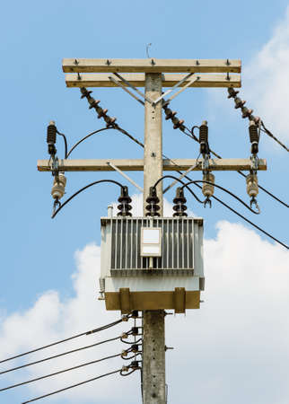 Electrical power distribution with transformer photo