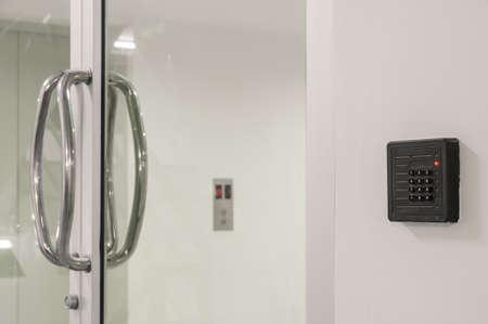 カードキー リーダー ドア アクセス制御のキーパッド 写真素材
