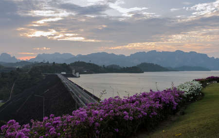 sok: Stunning sunset view of Limestone mountains and lake in Khao Sok National Park, Surat Thani Province, Thailand