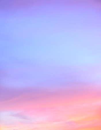 소프트 포커스 추상 황혼의 하늘 배경