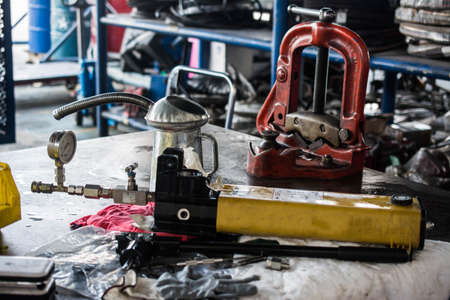 calibration: hand pump hydraulic with calibration gauge