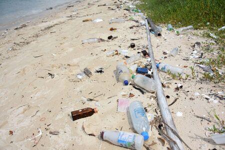 sea water pollution on the koh samaesarn#10