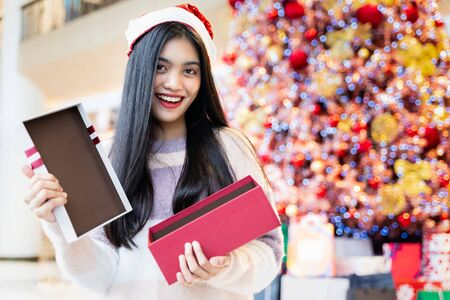 Asian women receive Surprise gifts on Christmas Day