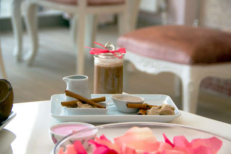 nailart: Spa with cinnamon for beauty