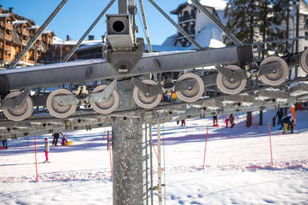 A mechanism that pulls a steel rope on a ski lift. Stock fotó