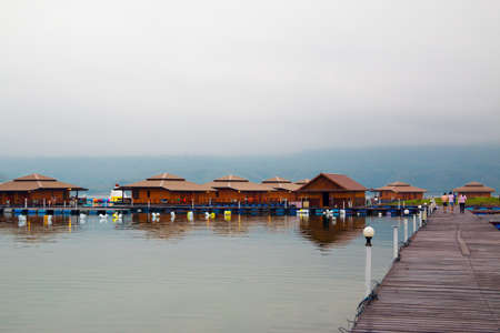 house float on water: Raft houses on Lakeside in Kanchanaburi, Thailand Stock Photo